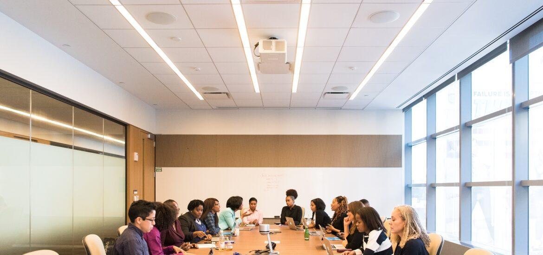 zebranie biznesowe w firmie